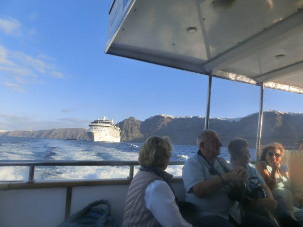 テンダーボートから