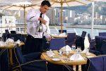 船外のテラスカフェ。PRで使う写真